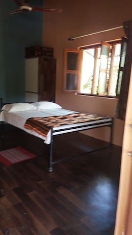 Dev Homestays-Home away from Home (Private Room 3) - Sawantwadi - Bed & Breakfast