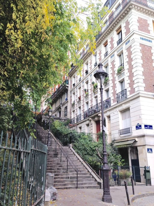 The stairs to Sacre-Coeur !
