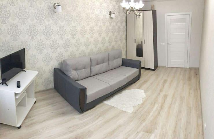 Уютная квартира в европейском стиле - Kudrovo - Daire