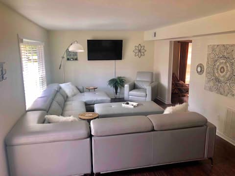 Huge Space With Room for 8 Plus 2 King Beds!