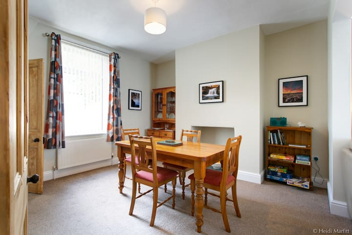 Aire Vue - Skipton, HIGHLY RATED holiday cottage