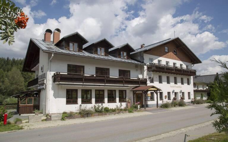 Hotel Lesní dům Neuwaldhaus