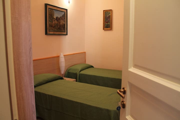 B&B l uliveto di Serranova Camera 4/6 - Serranova - Bed & Breakfast