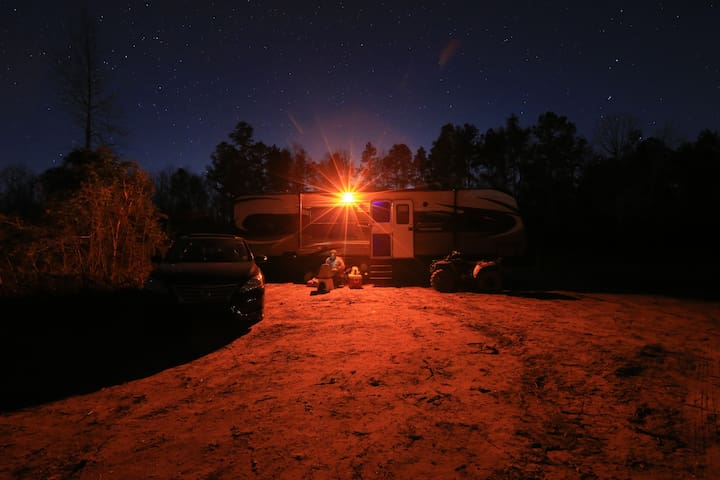 WILDJ RANCH*28ft RV on 20Acres in Gloster, LA - Gloster