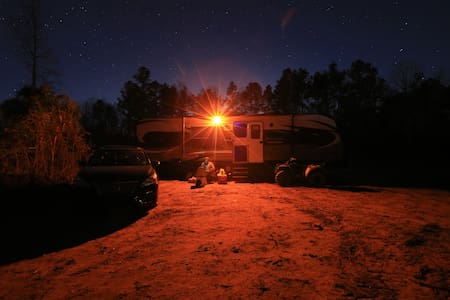 WILDJ RANCH*28ft RV on 20Acres in Gloster, LA - Gloster - Camper/RV