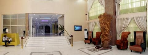 Relaxing Double Deluxe At Awka