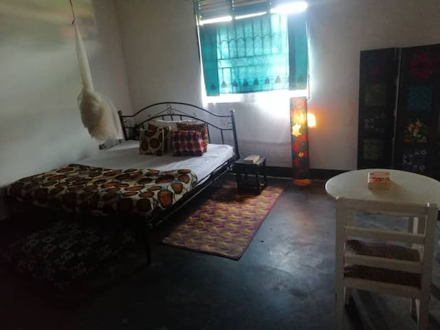 ZAFFE House - Njovu Room