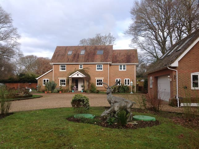 Crane House Does Lane Verwood Dorset BH31 6PP