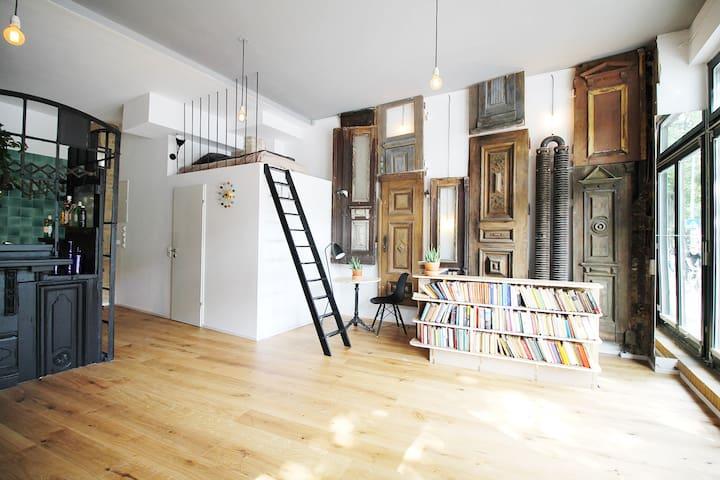 Industrial Design Studio at Spree - Flats for Rent in Berlin ...