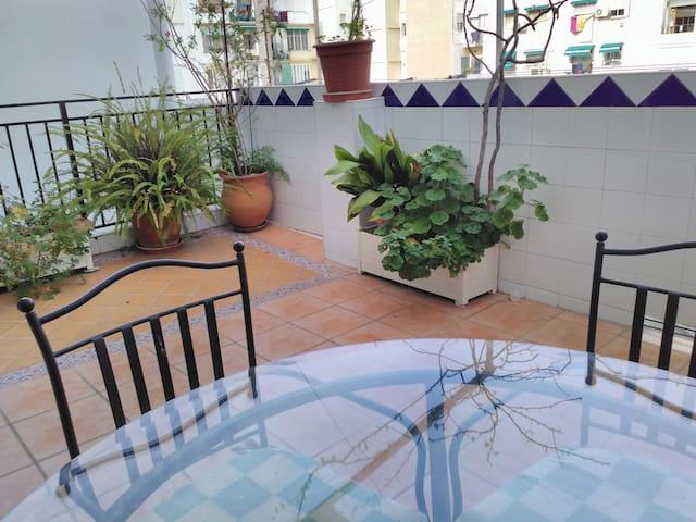 centrico ideal para adulto de trabajo o estudios - Valencia - House