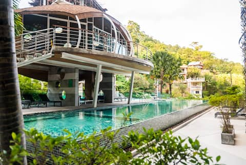 Budget friendly studio in Patong condo, pool, gym