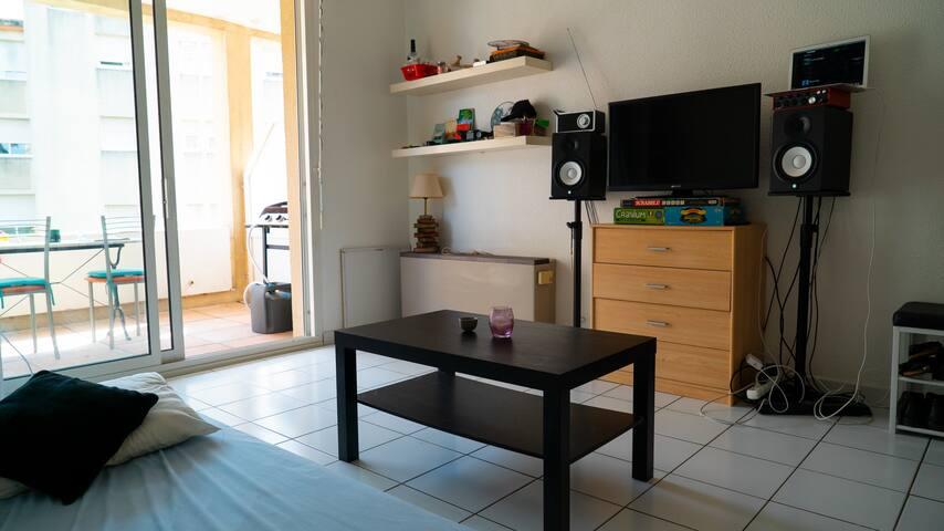 Studio avec balcon dans le Centre d'Arles