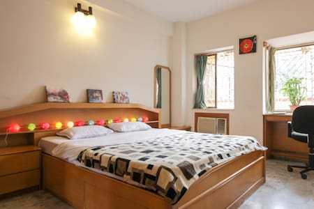 Cosy bedroom, fast Wifi, en-suite - Kolkata