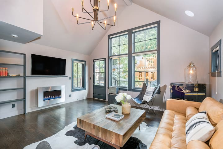 TOWN JEWEL - Tasteful Home, Downtown Telluride, LOCATION!