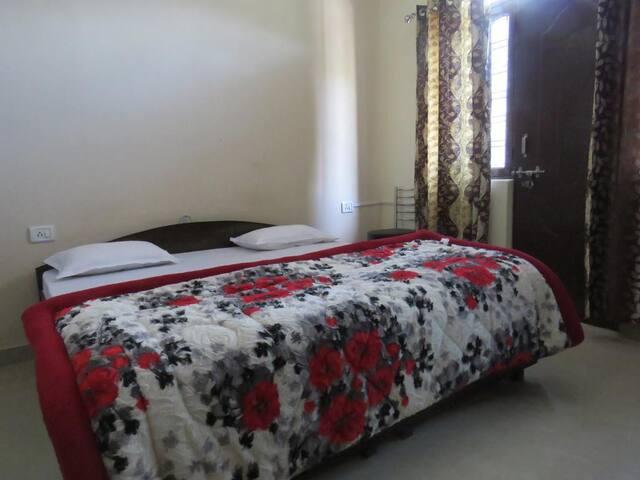 Yaduvanshi Shiva Hotel SF3