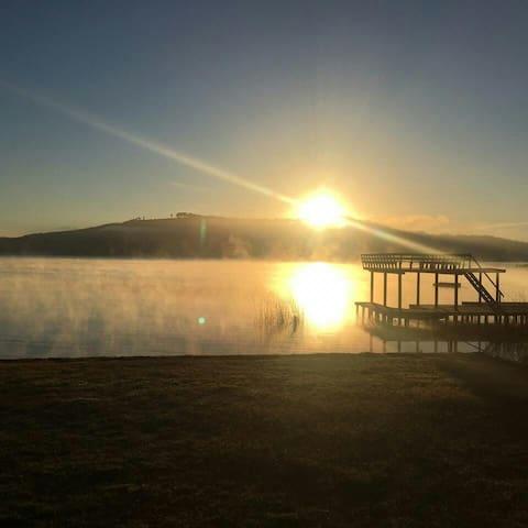 Preciosa cabaña grande a orillas  Lago Vichuquén