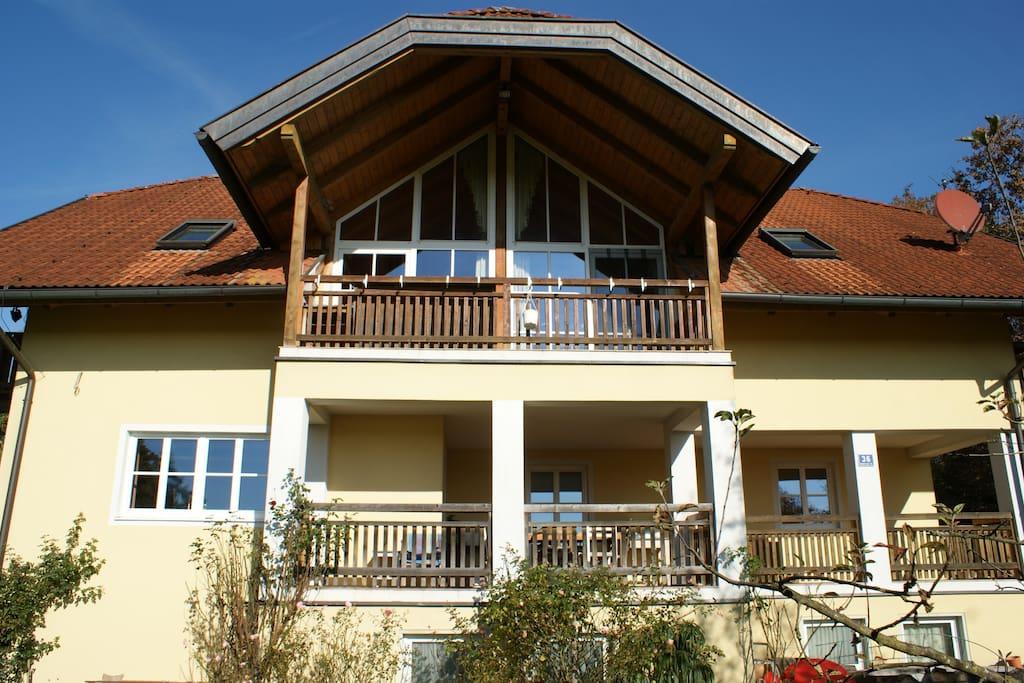 Großer südseitiger Balkon