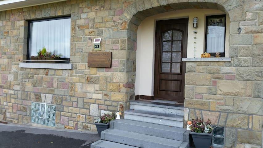 Ferienhaus Neuville Alain + Hedwig - Büllingen - Casa