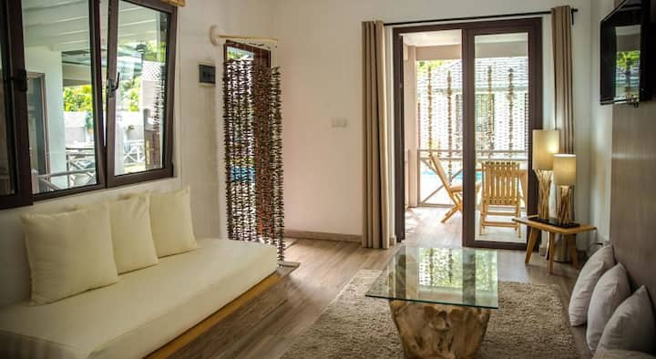 Les 4 Etoiles Holiday villa bedroom 2