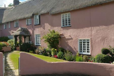 En suite Bedroom Thatched Cottage - Devon - Ev