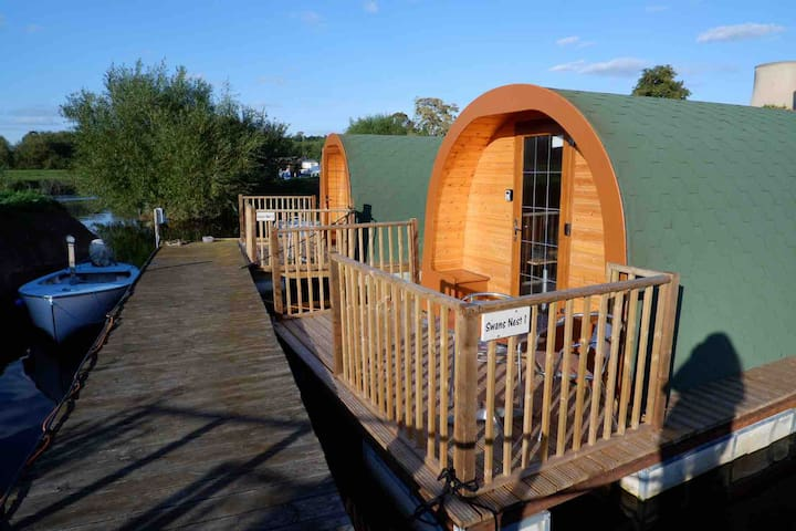 Floating Glamping Pod: Swans Nest 1