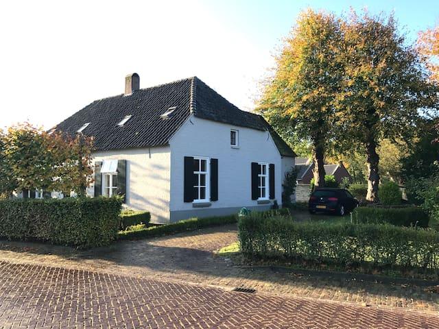 De Zijkamer, B&B De Stokhoek, Sint Michielsgestel