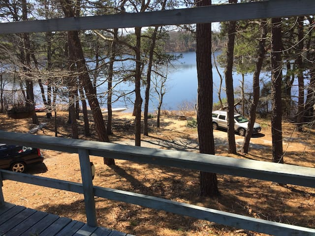 Nature Abounds at Pond Front Cottage w/grill near Coast Guard Beach - Eastham - Cabaña