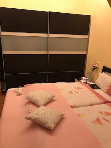 Gemütliche zwei Zimmer Wohnung mit Stil