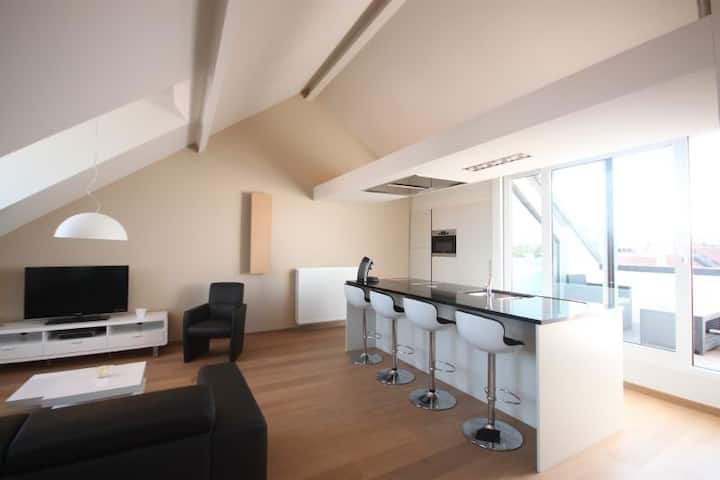 Modern and warm apartment central location Antwerp