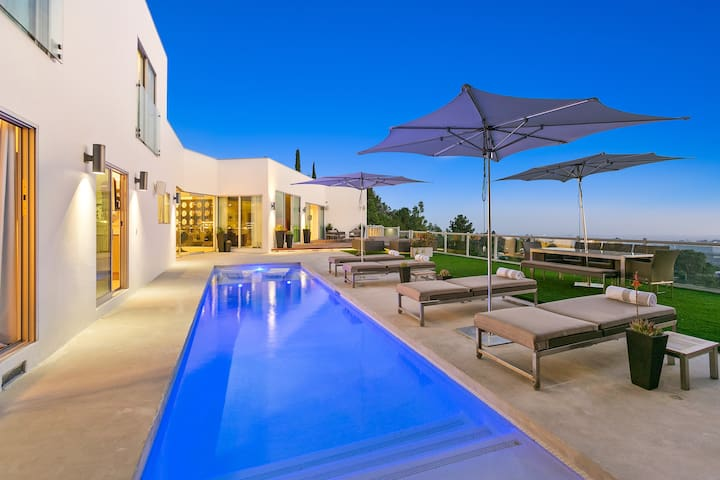 Briarcrest Estate - Panoramic Views - Pool/Theatre