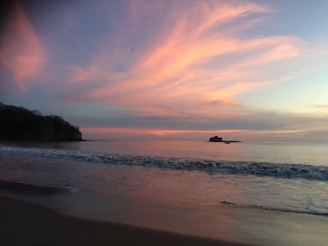 A tranquil & secluded beachfront guesthouse - SAN Juan del sur - Bed & Breakfast