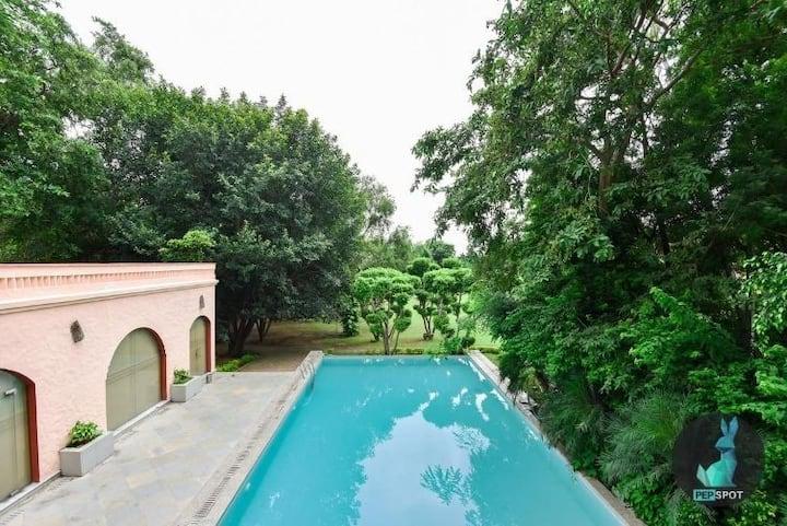 Farmhouse for luxury stays & parties- Pepfarm 0808