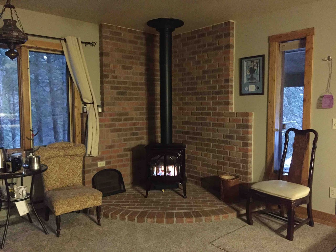 Fire Place to warm up after a great hike or ski or fishing!!