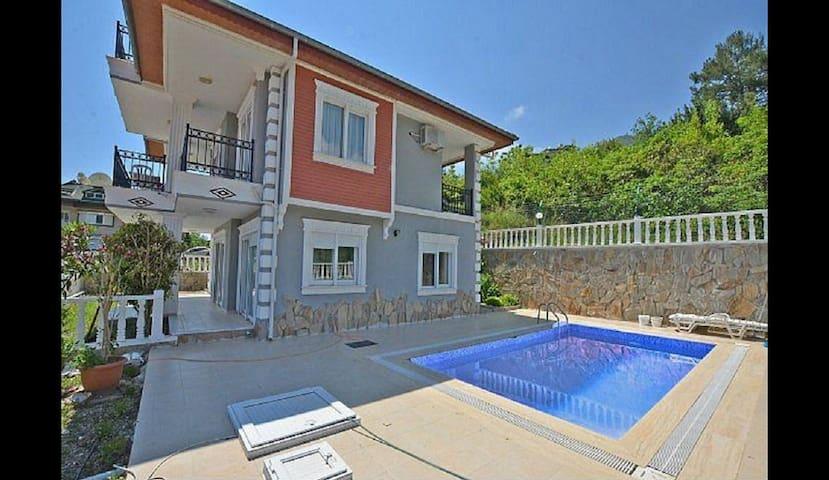 Private Pool  & Garden Villa - アランヤ - 別荘