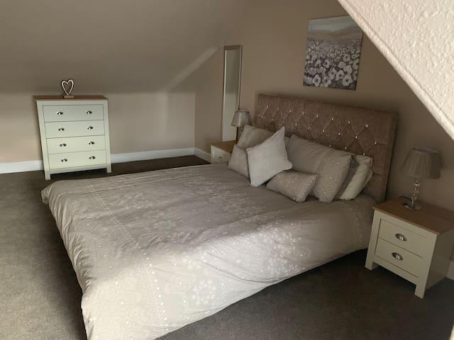 King size Bedroom upper floor