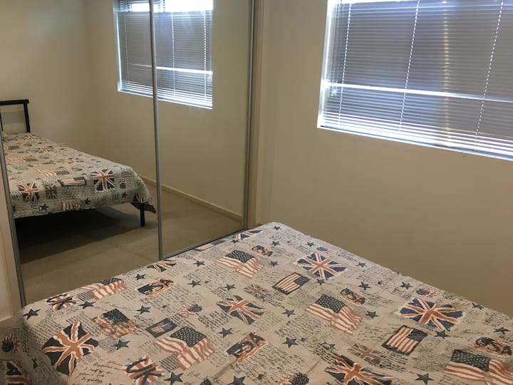 Spacious room in an Apartment near the Station..