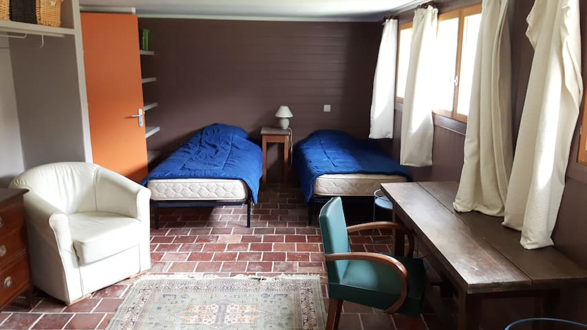 coté nuit (grand lit deux places ou deux petits lits)