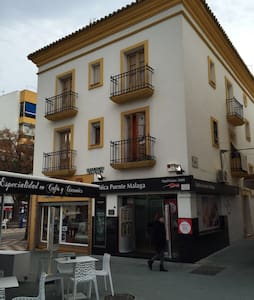 Buhardilla en el casco antiguo - Marbella - Wohnung