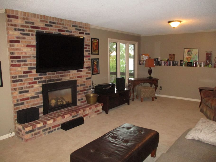 Living Room-gas fireplace, view of lake