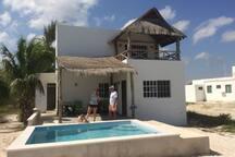 Fiesta del Sol, Casa de Norma y Cay