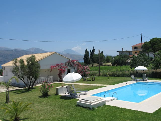 Villa Emma with large 5m x 10m private pool - Kefallonia - Villa