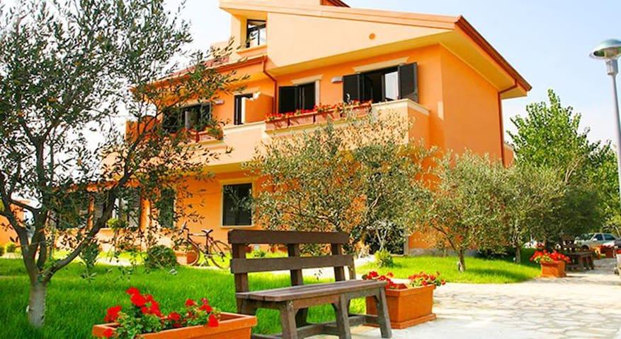 Park Village - Gammicella - Bed & Breakfast