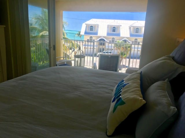Key Colony Beach 3/3 Townhouse - Ocean View
