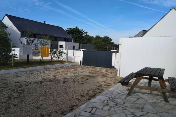 3 Bedroom House - Peaceful  Home - 20min walk sea