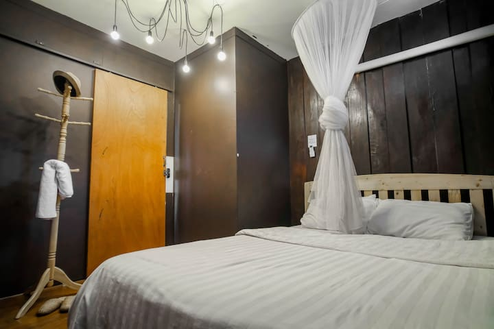 Private Double Bed room in samsibsanhostel