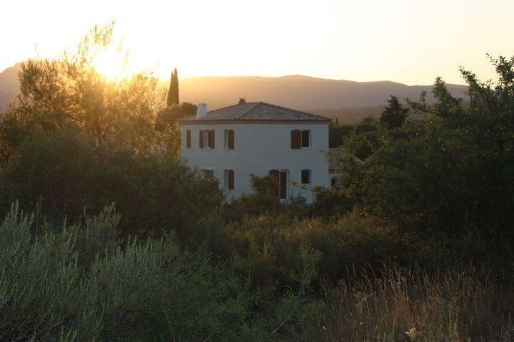 Chambre au calme dans maison avec piscine - Sainte-Croix-de-Quintillargues - Hus
