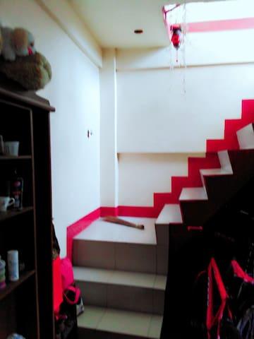 Karen's manila - Manila - House