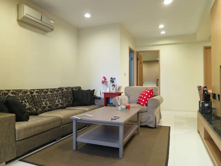 Warm apartment near Sun Yat-Sen Memorial hall