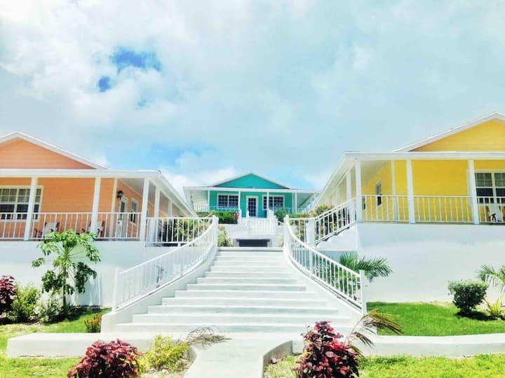 Exuma Point Beach Resort: Peach Poinciana Seaview Studio