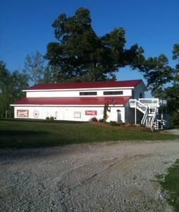 Ashland City Guest House near West Nashville